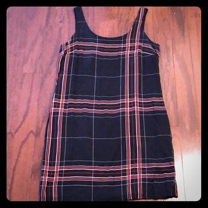 The limited sleeveless stripped dress